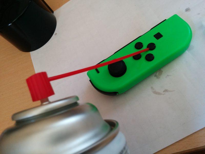 JoyConの方向ボタンに接点復活剤をひと吹きだけでかんたん修理