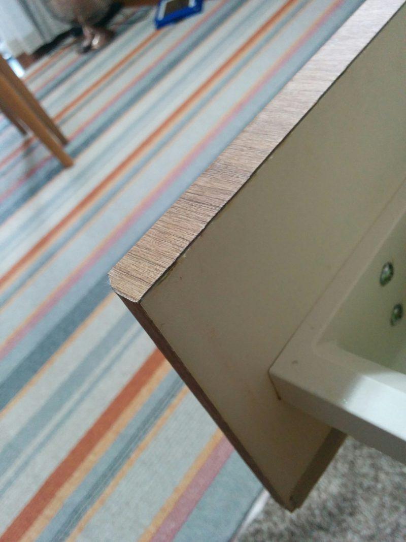 壁紙シートでキッチンDIY角がむずかしい。