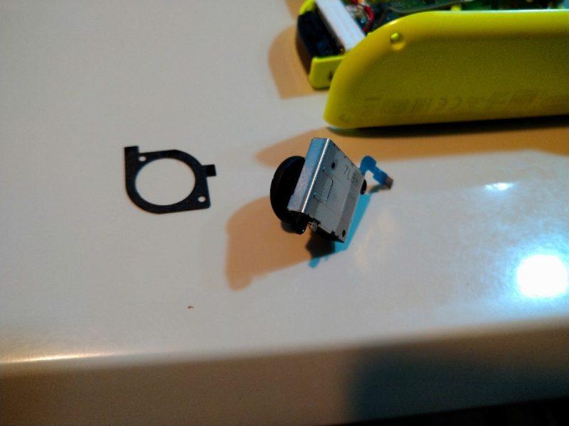 ジョイコン修理 スティックがとれた